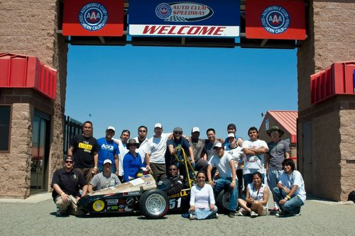 FSAE%20West%202011%20Team%20Pic.jpg